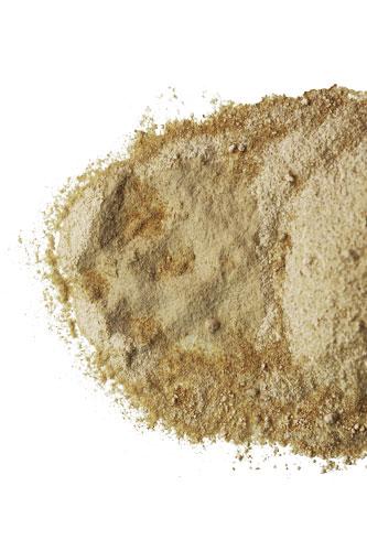 organic-maca-powder-spilled